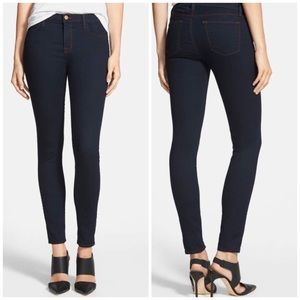 J Brand Dark Wash Skinny Jean size 24